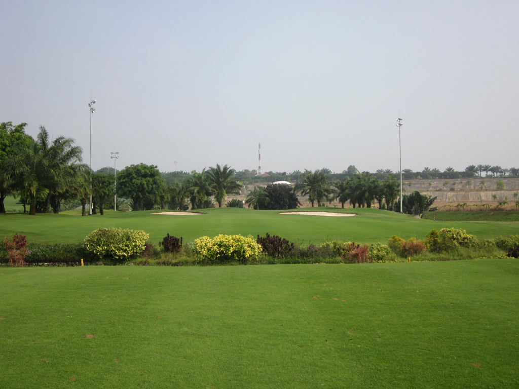 Long Thanh Vietnam  city photos gallery : Long Thanh Golf Club -Lake Course
