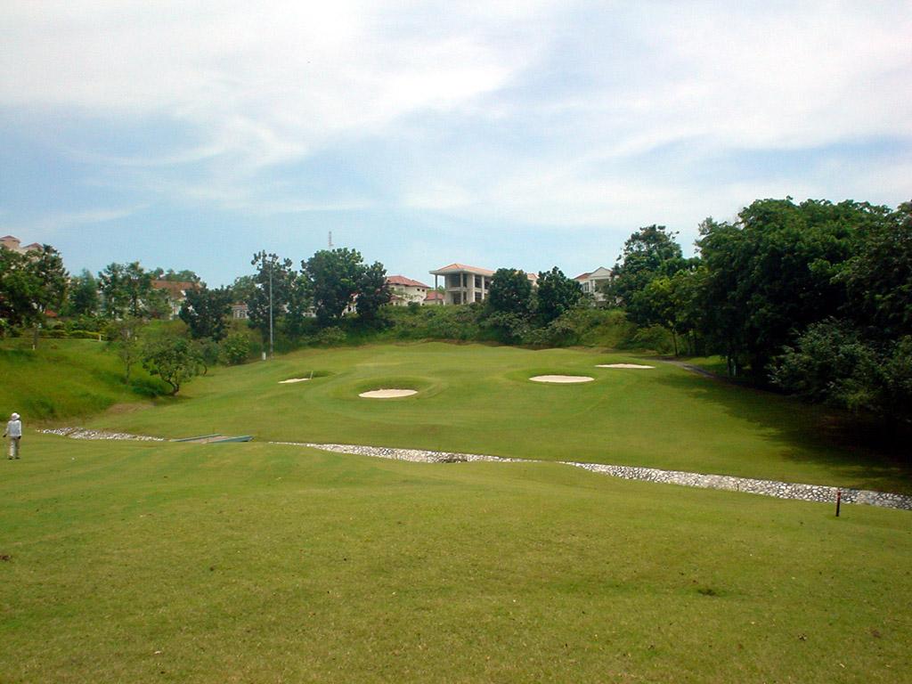 Kelab Golf Sultan Abdual Aziz Shah (KGSAAS), Sultan & Alam Shah